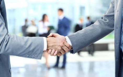 La relation entre banque et clients est déplorable. Ils se sentent être « juste un numéro » pour leur banque